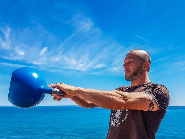 Mistakes To Avoid While Doing Kettlebell Swings