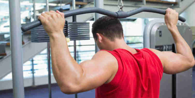 behind the neck lat pulldowns
